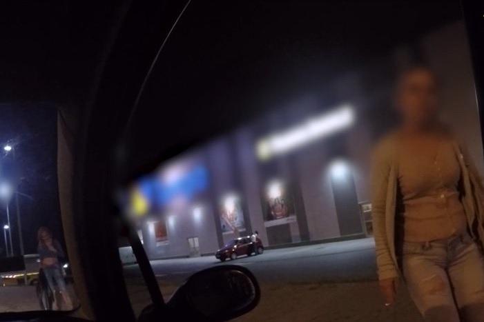 Beogradu iznajmljivanje kurvi u Iznajmljivanje prostitutki