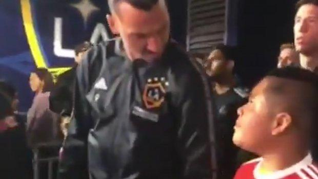 Dečak se požalio Zlatanu Ibrahimoviću da je nervozan, a on ga šmekerski smirio