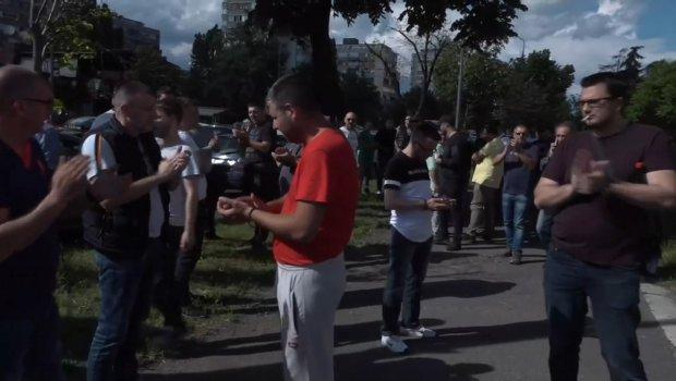 Tuča vozača taksija i drugog prevoznika na Novom Beogradu, blokirana čitava raskrsnica